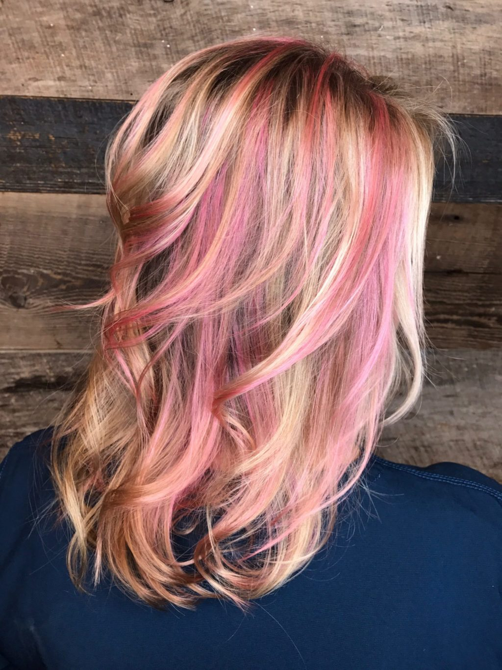Volume For Fine Hair Soft Pink Highlights Shag Layers Beachy Waves